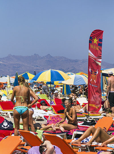 Akti zouroudi beach